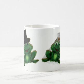 Froggyの結婚式のマグ コーヒーマグカップ