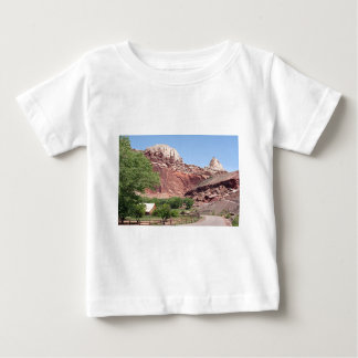 Fruitaの国会議事堂礁の国立公園、ユタ、米国4 ベビーTシャツ