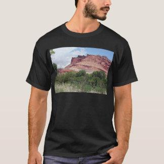 Fruitaの国会議事堂礁の国立公園、ユタ、米国5 Tシャツ
