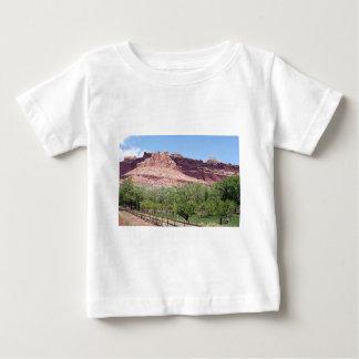 Fruitaの国会議事堂礁の国立公園、ユタ、米国7 ベビーTシャツ