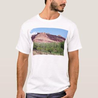 Fruitaの国会議事堂礁の国立公園、ユタ、米国7 Tシャツ