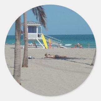 Ft Lauderdaleのビーチのライフガードの立場 ラウンドシール