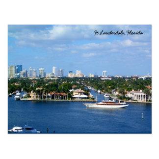 Ft Lauderdaleの内陸の水路及びスカイライン ポストカード