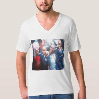 FTFのLaのFamiliaのV首のティー Tシャツ