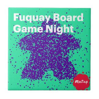 Fuquayのゲーム夜ロゴ タイル
