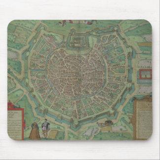 Gによる「Civitates Orbis Terrarum」からのミラノの地図、 マウスパッド