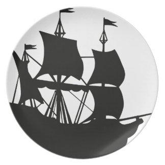 Galleonの船のシルエット プレート