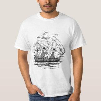Galleonの74攻撃のスケッチヴィンテージの海賊 Tシャツ