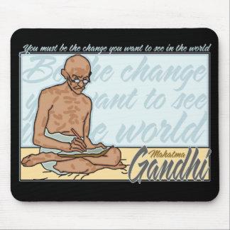 Gandhiは変更の引用文です マウスパッド