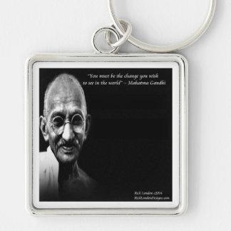 Gandhiは変更の知恵の引用文です キーホルダー