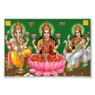 "Ganesha、Lakshmi、及びSaraswatiのプリント(6"" x 4"") フォトプリント"