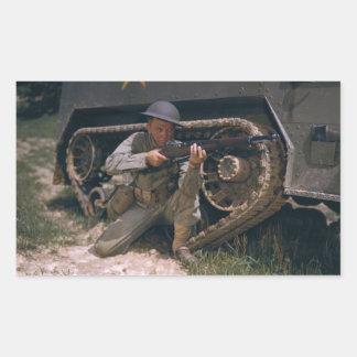 Garandライフルによってひざまずいている第二次世界大戦の兵士 長方形シール