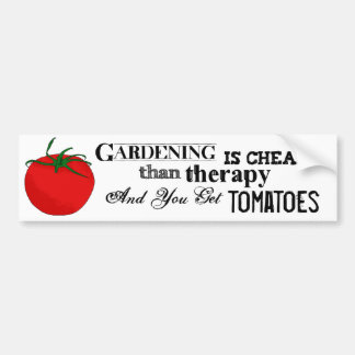 Gardening = Therapy + Tomatoes バンパーステッカー