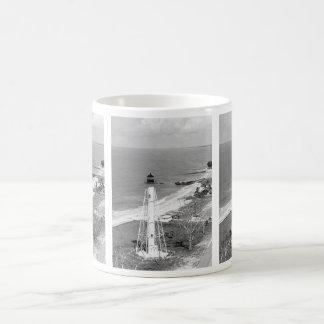 Gasparillaの島の後部範囲の灯台 コーヒーマグカップ