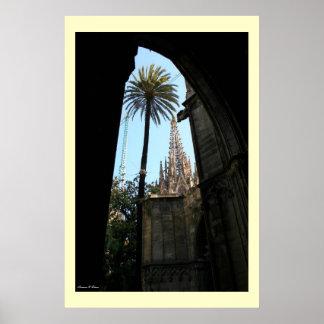 Gaudiのカテドラルの眺め ポスター