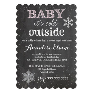 GCの赤ん坊それは冷たい外の冬の誕生日です 12.7 X 17.8 インビテーションカード