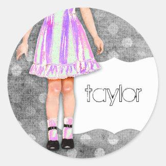 GC |の女の子らしい女の子の人形のファンキーな紫色 ラウンドシール