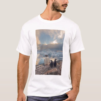 gentooのペンギン、Pygoscelisパプアの2の親 Tシャツ