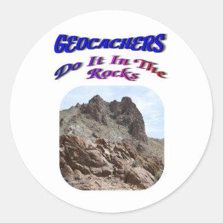 Geocacherは石のそれをします ラウンドシール