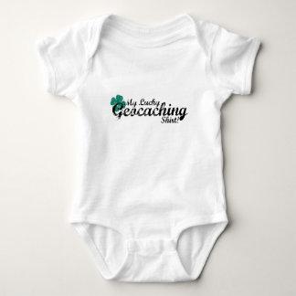 Geocachingの幸運なワイシャツ ベビーボディスーツ
