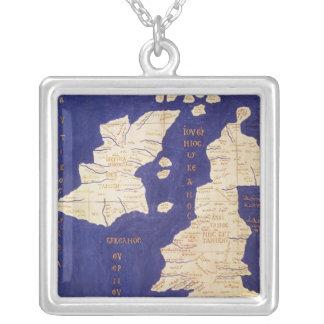 「Geographiaからのイギリス諸島の地図、 シルバープレートネックレス