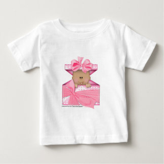 giftboxピンクのバージョン2のベビー ベビーTシャツ