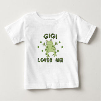 Gigiは私をカエル愛します ベビーTシャツ