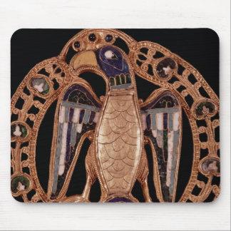 Giselaの皇帝コンラッドの妻からのワシの止め金 マウスパッド