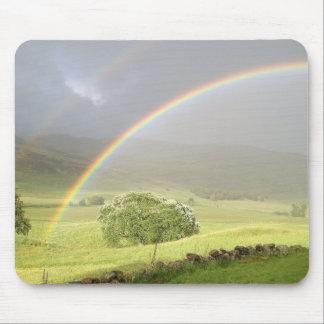 Glensheeスコットランドの二重虹 マウスパッド