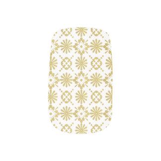 Golden Victorian Inspired Pattern ネイルアート