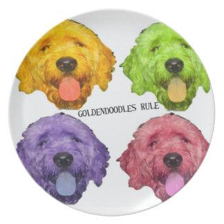Goldendoodlesの規則のプレート プレート