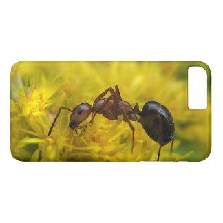 Goldenrod iPhone 7のプラスの場合の小さい蟻 iPhone 8 Plus/7 Plusケース