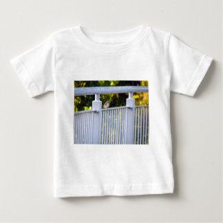 goldfinch ベビーTシャツ