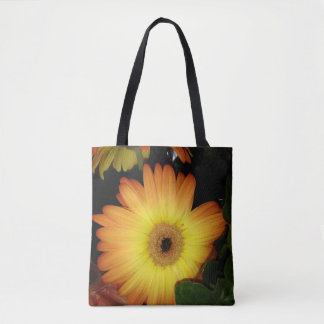 Gorgeous Yellow Gerbera Daisy Close-up トートバッグ
