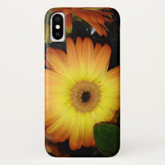 Gorgeous Yellow Gerbera Daisy Close-up iPhone X ケース