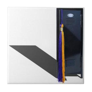 GraduationTassleLocker061615.png タイル