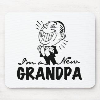 Grampyの微笑の新しいTシャツおよびギフト マウスパッド