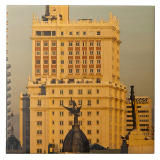 Granを経ておよびEdificioエスパーニャに沿う建物 タイル