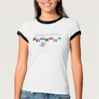 Gretchenの後部のデザイン社会的な媒体のロゴのティー Tシャツ