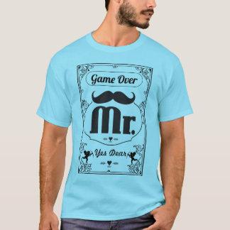 Groom Game Over Yes親愛なるMustache氏 Tシャツ