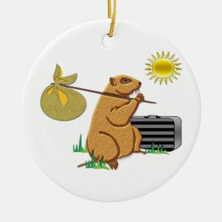 Groundhogは遠くにに広がっています セラミックオーナメント