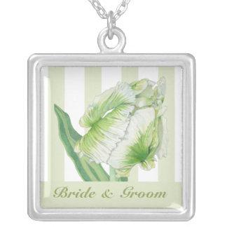 Grreenのクリーム色のチューリップの結婚式のネックレス シルバープレートネックレス