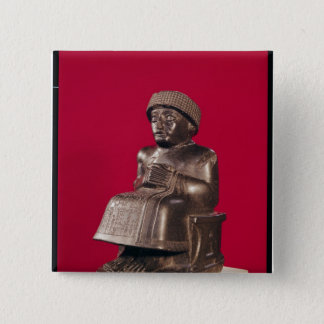 、GudeaはLagashの王子に捧げました 5.1cm 正方形バッジ