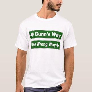 Gunnの方法道路標識の一族のワイシャツ Tシャツ