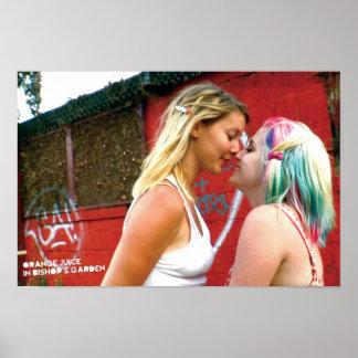 Gwenおよびサラ ポスター