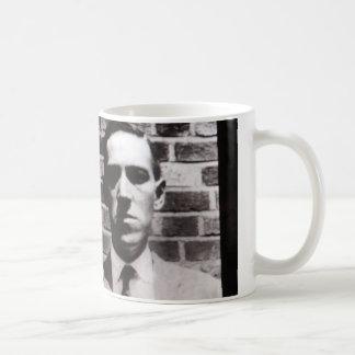 H.P. Lovecraftのポートレートのマグ コーヒーマグカップ