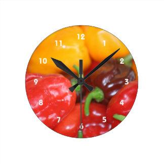 habaneroのトウガラシの山 ラウンド壁時計