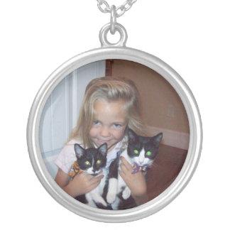Hailey及び猫 シルバープレートネックレス