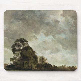 Hampstead、木および雨雲、c.1で美化して下さい マウスパッド