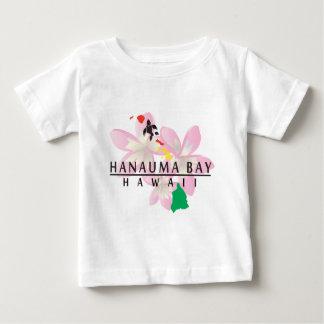 Hanauma湾のハワイのプルメリアの花 ベビーTシャツ
